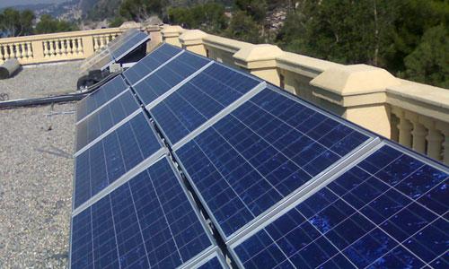 les panneau solaire affordable les avantages duun panneau solaire with les panneau solaire. Black Bedroom Furniture Sets. Home Design Ideas